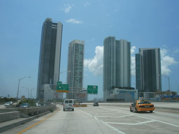 https://cubanuestraeu8.files.wordpress.com/2011/07/miami-019.jpg?w=584&h=438