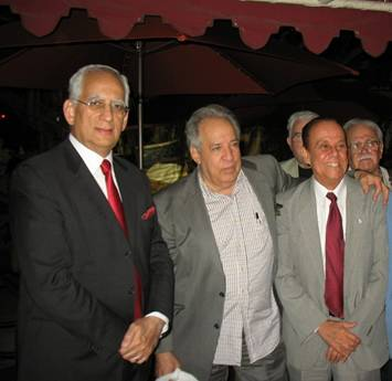 Miami, octubre de 2012, Demetrio Café. Al centro Roberto Cazorla y a la derecha Sergio Galán.