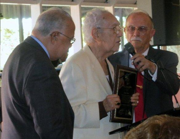 Luis Gonzalez Lalondri, 3er Vicedecano,  Cesar Temes, el Periodista del Año y Jesús Angulo 1er Vicedecano