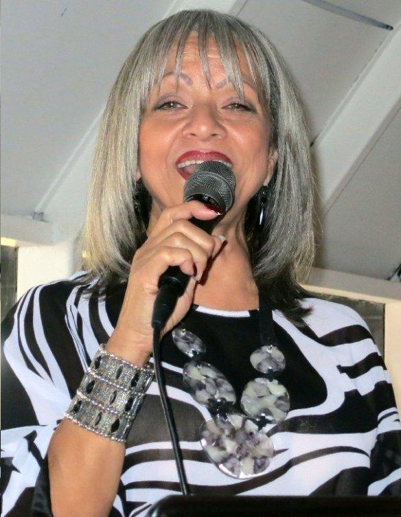 La bella y maravillosa cantante venezolana Mayra Lastra