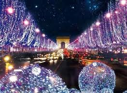 Los Champs Elysées y el Arco de Triunfo de París.