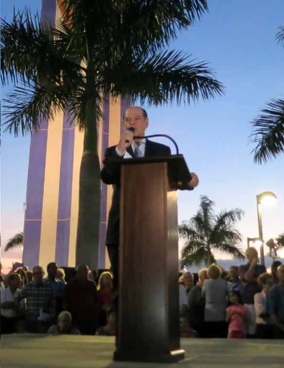 El abogado Cesar Álvarez presentó al senador cubano-americano - Kopia