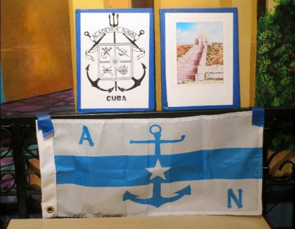 Recientemente la Directiva el Circulo Naval Cubano durante su almuerzo semanal de los martes en el restaurante La Carreta de la 87 avenida del SW y la 40 Calle, le hizo una donación al monumento Memorial Cubano por la cantidad de $500.00.