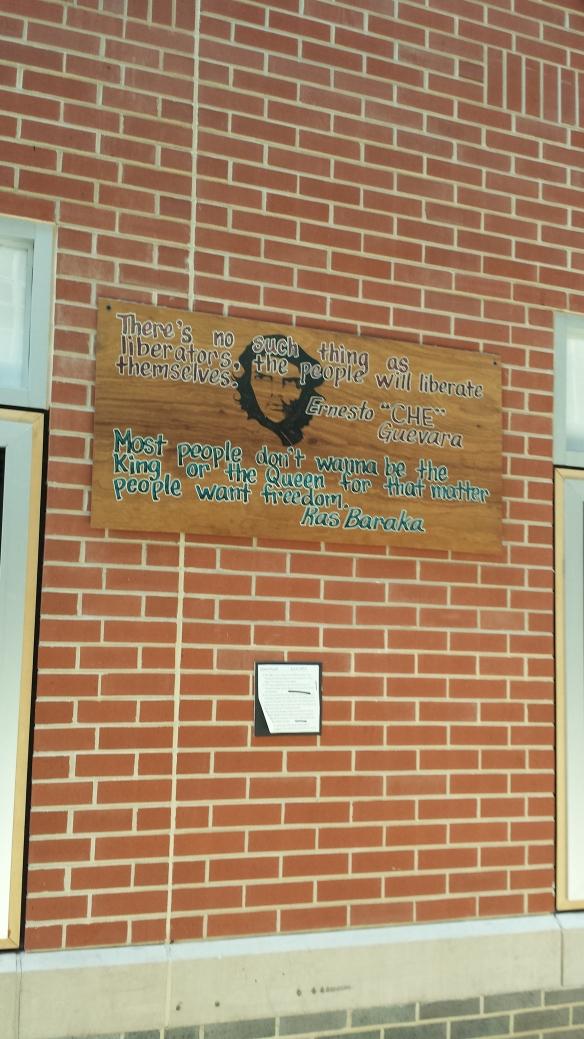 Foto del Che Guevara en escuela de Newark