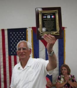 Homenaje del Camajuaní Social Club a Félix José Hernández, en el Rubén Darío's Park de Miami, el 31 de julio de 2011.